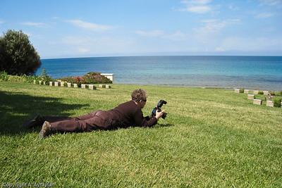 Aylin catches the photographer in action at Arıburnu Cemetery on the Anzac Cove Loop.