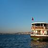 Moda ferry w Bosphorus Bridge in background