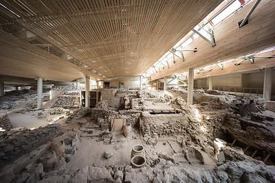 amphorae and walls Akrotiri