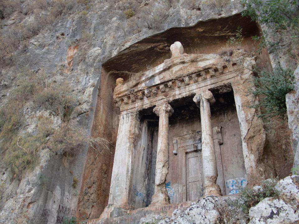 fethiye lycian rock tombs