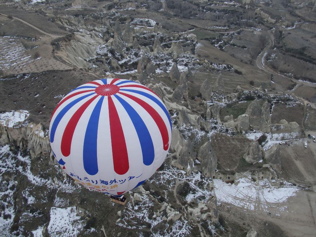 hot air balloon goreme cappadocia turkey