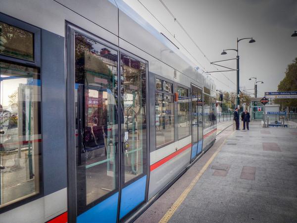 istanbul metro stop