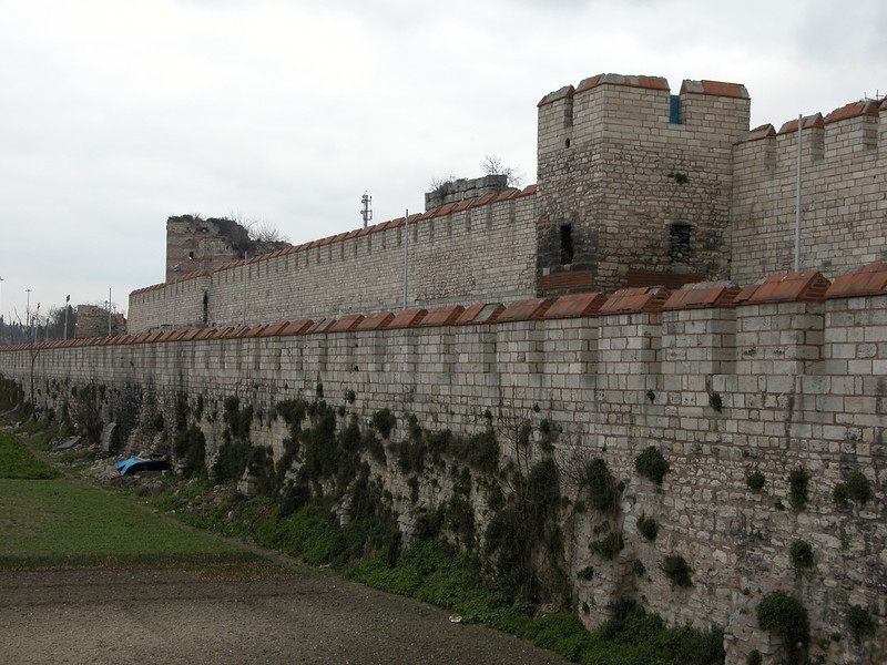 22 Must See Places in Istanbul - Theodosian Walls