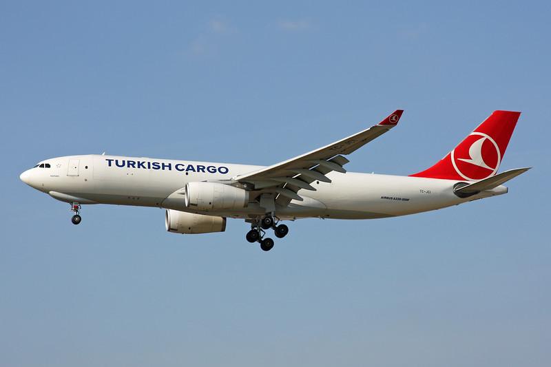 TC-JCI Airbus A330-243F c/n 1442 Frankfurt/EDDF/FRA 24-09-16