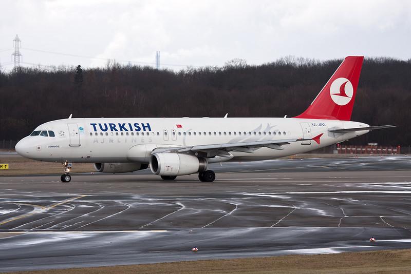 TC-JPG Airbus A320-232 c/n 3010 Dusseldorf/EDDL/DUS 25-02-10