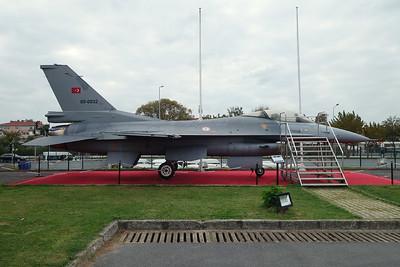 89-0032 General Dynamics F-16C Fighting Falcon c/n 4R-050 Istanbul-Ataturk/LTBA/IST 09-10-18