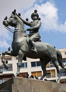 20 April 2010 - Around Alsancak A closer look at the statue of Atatürk in Cumhuriyet Meydanı (Republic Square).