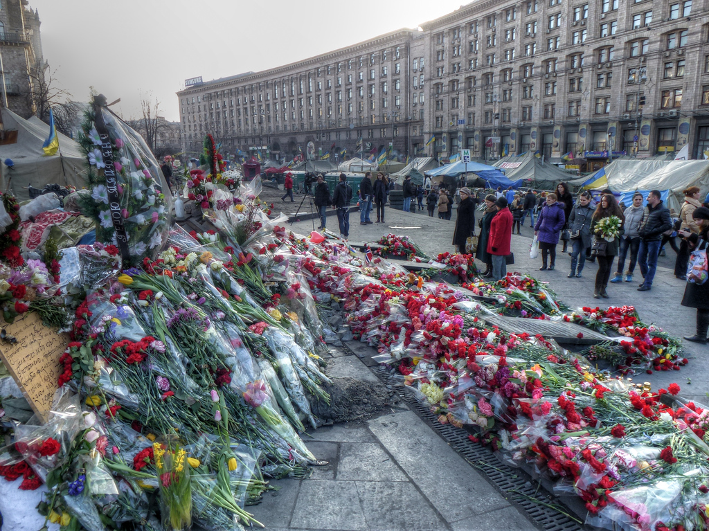flowrs kiev maidan makeshift memorial