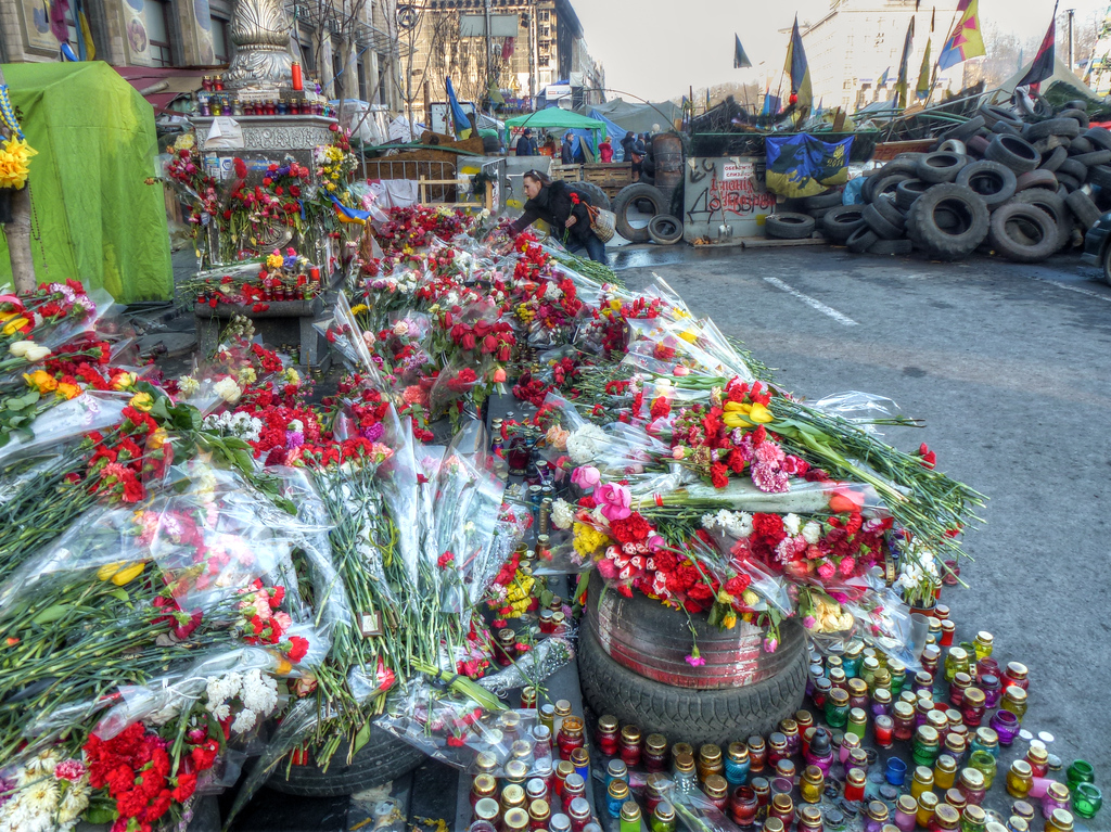 kiev maidan flowers woman