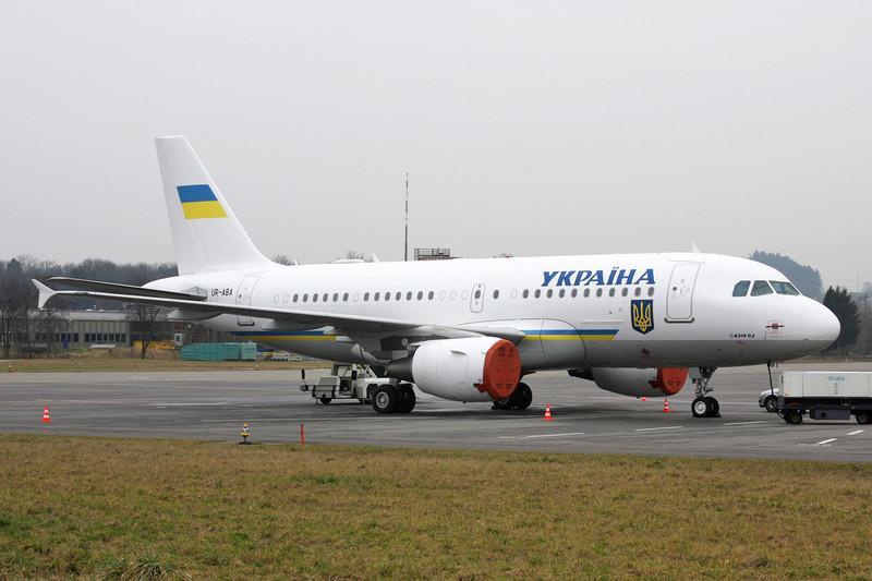 "UR-ABA Airbus A319-115CJ ""Ukrainian Government"" c/n 3260 Zurich/LSZH/ZRH 26-01-12"