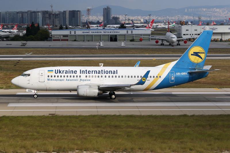 UR-GBA Boeing 737-36N c/n 28670 Istanbul - Ataturk/LTBA/IST 09-10-18