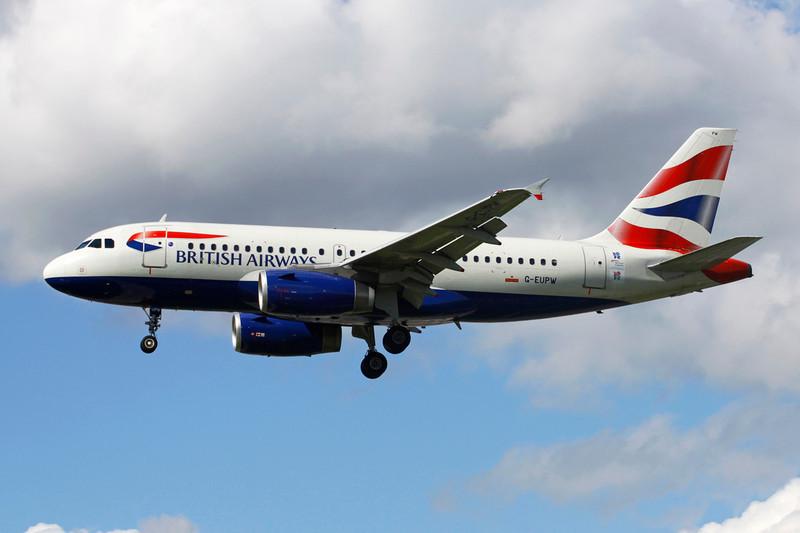 "G-EUPW Airbus A319-131 c/n 1440 Heathrow/EGLL/LHR 11-05-12 ""London 2012"" stickers"