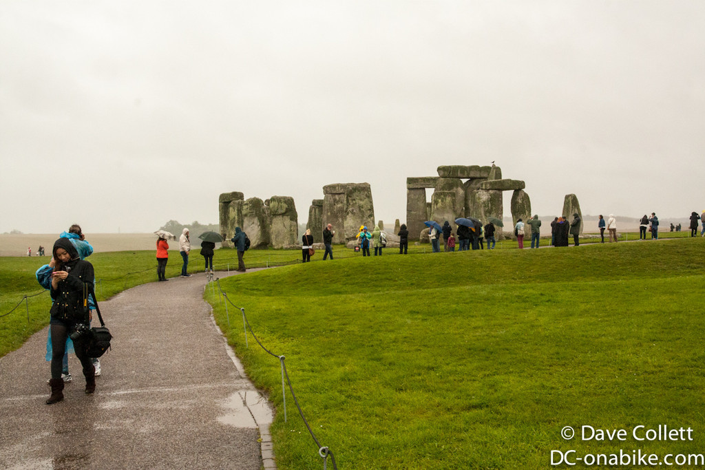 Crowds approaching Stonehenge