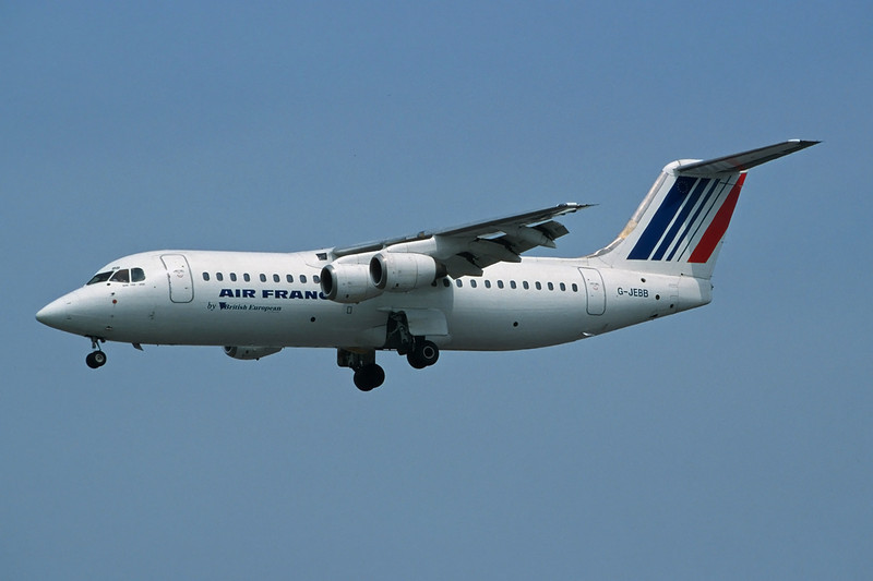 G-JEBB BAe 146-300 c/n E3185 Heathrow/EGLL/LHR 26-05-01 (35mm slide)