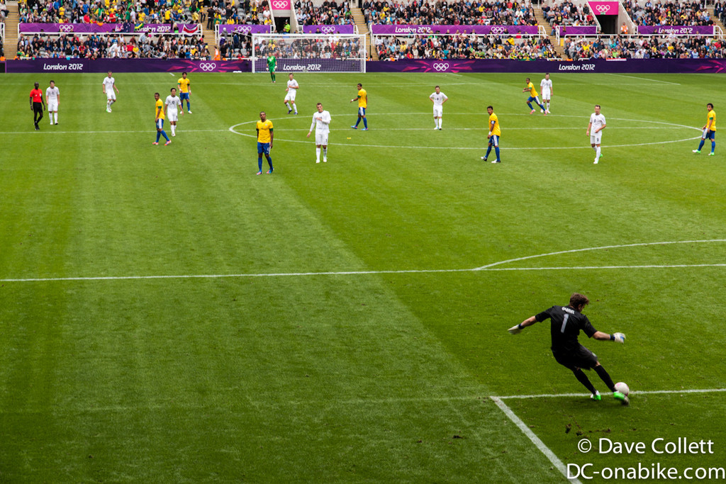 Another kick by the Brazilian goalie