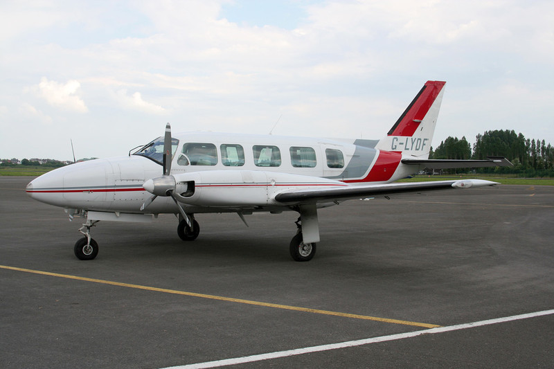 G-LYDF Piper PA-31-350 Nacajo Chieftain c/n 31-7952031 Le Touquet/LFAT/LTQ 16-06-08