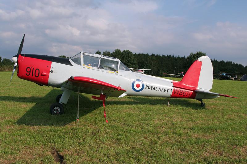 "G-BWTG (WB671/910) de Havilland Chipmunk DHC-1 Chipmunk 22 ""Royal Navy"" c/n C1/0119 Verviers-Theux/Laboru 01-09-07"