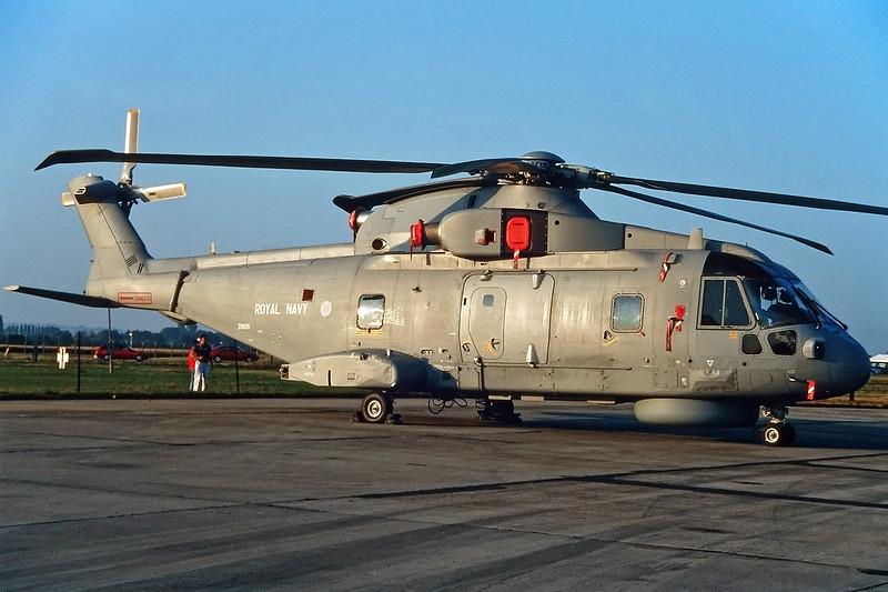 """ZH826 AgustaWestland EH-101 Merlin HM.2 """"Royal Navy"""" c/ 50029 Fairford/EGVA/FFD 25-07-99 (35mm slide)"""