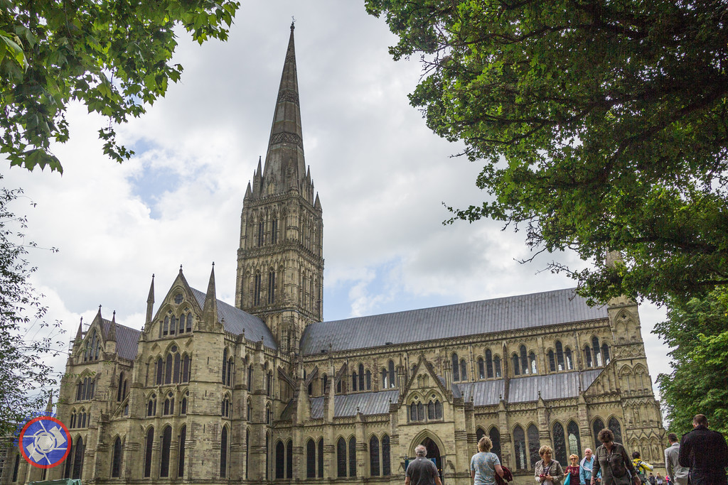 Salisbury Cathedral, England (©simon@myeclecticimages.com)