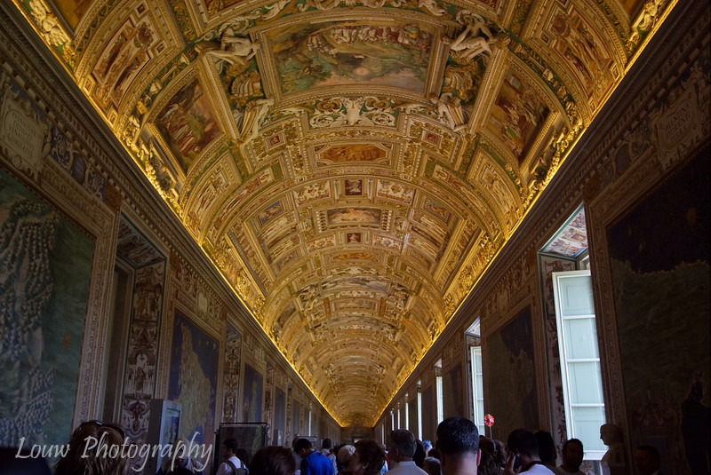 "Gallery of Maps, <a target=""NEWWIN"" href=""http://en.wikipedia.org/wiki/Vatican_Museums"">Vatican Museums</a>, Vatican City"