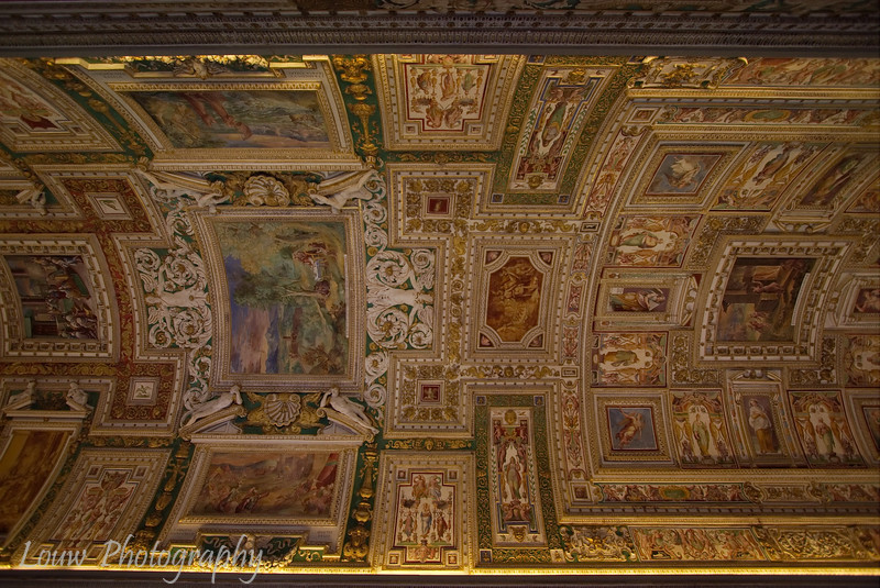 "Ceiling in the Gallery of Maps, <a target=""NEWWIN"" href=""http://en.wikipedia.org/wiki/Vatican_Museums"">Vatican Museums</a>, Vatican City"