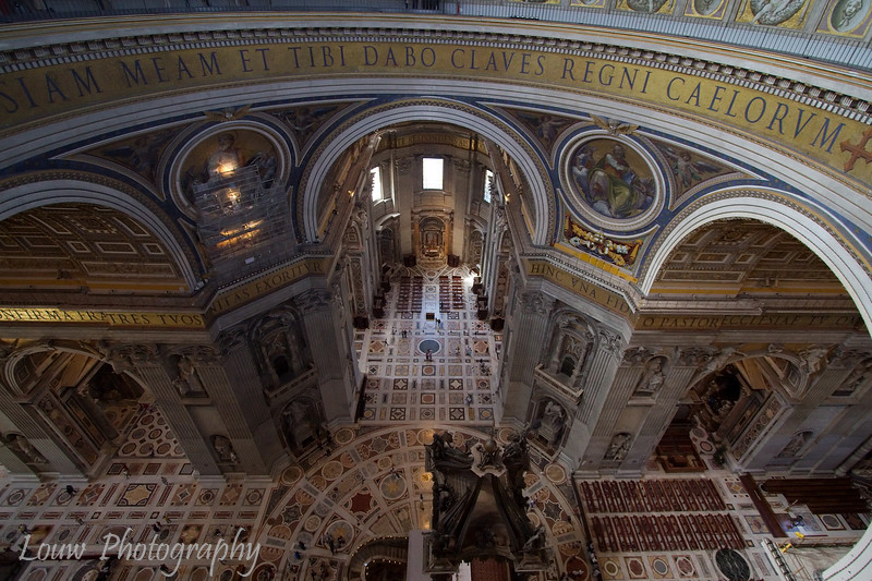 "Interior of <a target=""NEWWIN"" href=""http://en.wikipedia.org/wiki/St_Peters_Basilica"">St. Peter's Basilica</a>, Vatican City"