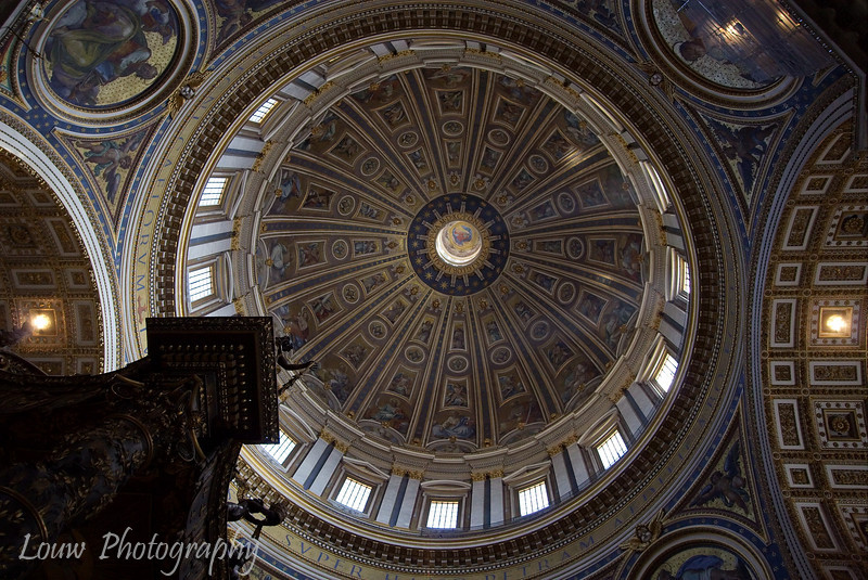 """Dome of <a target=""""NEWWIN"""" href=""""http://en.wikipedia.org/wiki/St_Peters_Basilica"""">St. Peter's Basilica</a>, Vatican City"""