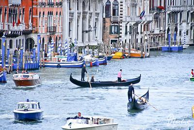 gondola and vaporetto