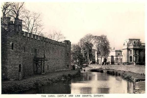 Canal, Castle and Law Courts