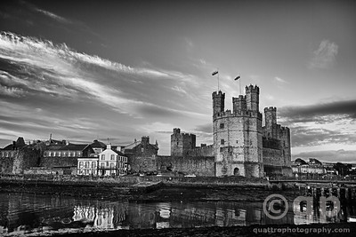 CAERFNARFON CASTLE BLACK AND WHITE
