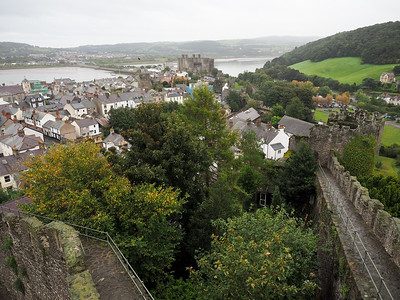 Walking the Conwy town walls