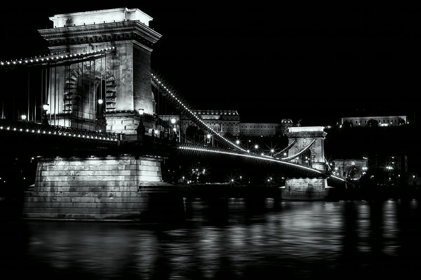 Budapest Chain Bridge<br /> © Sharon Thomas