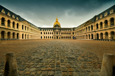 Les Invalides paved baskyard, Paris, Ile de France, France