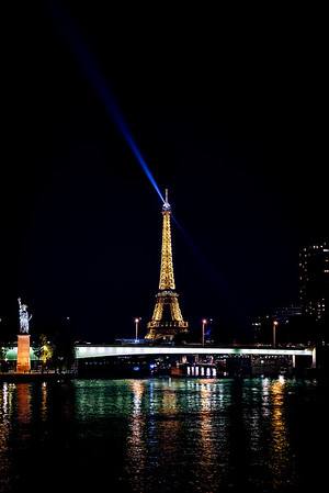 Eiffel Tower - Night