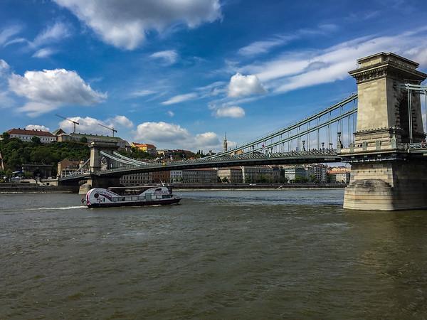 Széchenyi Chain Bridge, Budapést