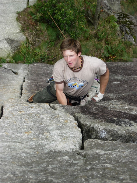 Back to the cracks at Sasso Remmno.  This time I did the left crack too.