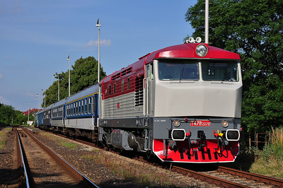 749240 after running round at Žalhostice whilst working 16.02 Praha-Libeň - Děčín hl.n. (04.07.2013)