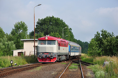 749 240 arriving at Zawidów from the north with a few desperate BLS men on board (06.07.2013)