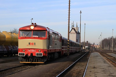 12 minutes later it's time for the next run round.......749 162 stands at Hostivice after arrival with with R125907, 08.23 Rudná u Prahy - Hostivice (09.03.2015).