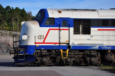 Mx 1009 in profile. They don't design diesels like this anymore.......more's the pity (23.09.2013)