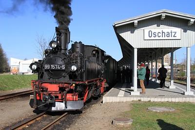 99 1574 at Oschatz with a charter to Glossen (19.04.2015).