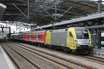 MRCE 182 595 at Erfurt Hbf with RB16322, 14.23 Halle (Saale) Hbf - Eisenach (17.04.2015).