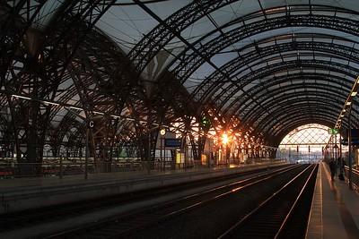 Dresden Hbf in the Spring evening sunshine (18.04.2015).