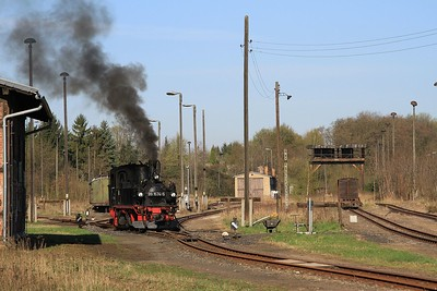 Döllnitzbahn 99 1574 in the yard at Oschatz prior to working a charter to Glossen (19.04.2015).