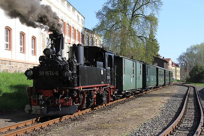 99 1574 at Oschatz Südbahnhof with a charter from Oschatz to Glossen (19.04.2015).