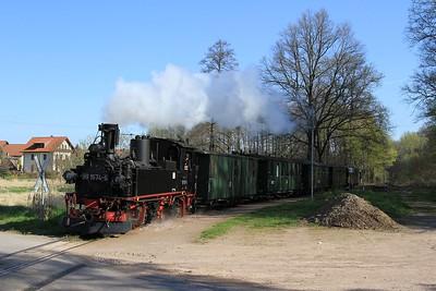 99 1574 at Thalheim with a charter from Oschatz to Glossen (19.04.2015).