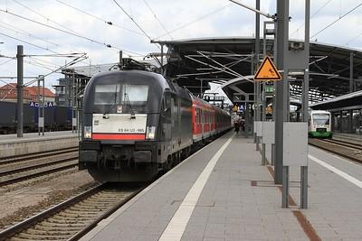 MRCE 182 565 departing from Erfurt Hbf with RB16318, 12.23 Halle (Saale) Hbf - Eisenach (17.04.2015).