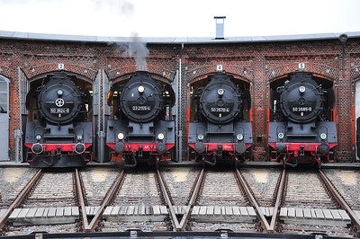 Line up of 50 3624, 03 2155, 50 3570 and 50 3685 (18.08.2013)