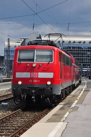 111 031 at München Hbf with RE79028, 1309 München Hbf - Salzburg Hbf (10.08.2013)