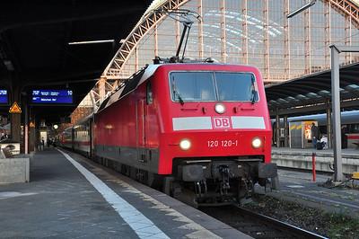 120 120 at Frankfurt (Main) Hbf with IC2295, 1820 Frankfurt (Main) Hbf - München Hbf (09.03.2014)